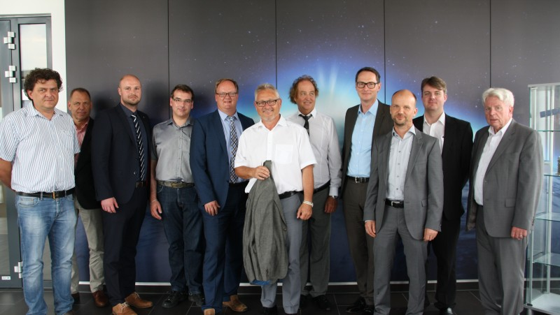 Member of the Bundestag Lothar Riebsamen visits space SMEs