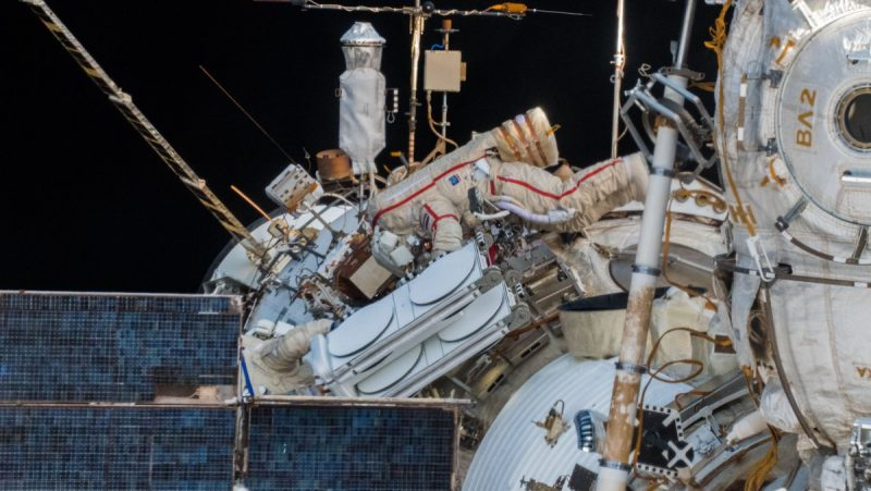 SpaceTech: icarus antenna deployment